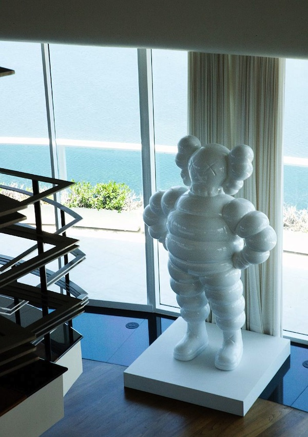 Pharrell-Williams-Miami-Apartment-KAWS-Statue-9-18 | Dre Black So Fresh