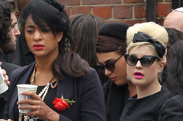 Amy Winehouse Laid To Rest At North London Funeral Ex Husband Banned From Attendance Dre Black So Fresh